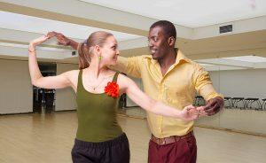 cours de danse Lille danse tous style 300x184 - Cours particuliers de danse à Lille