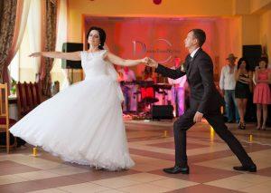 cours de danse mariage strasbourg 300x213 - Ouverture de Bal à Strasbourg