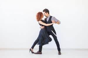 activite danse a deux 300x199 - Cours Particuliers de danse à Mulhouse