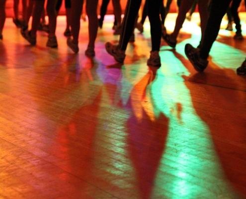 animation anniversaire adulte danse 495x400 - Accueil