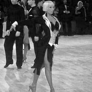 cours de danse angelique 300x300 1 - Notre équipe